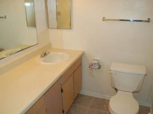Huntington Townhomes Apartments Washroom